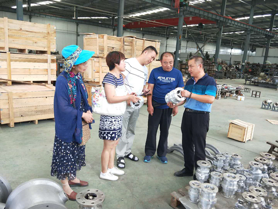 民盟连云港市综合三支部组织盟员参观考察盟员企业